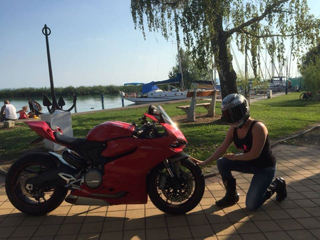 ducati_panigale_motormeiden