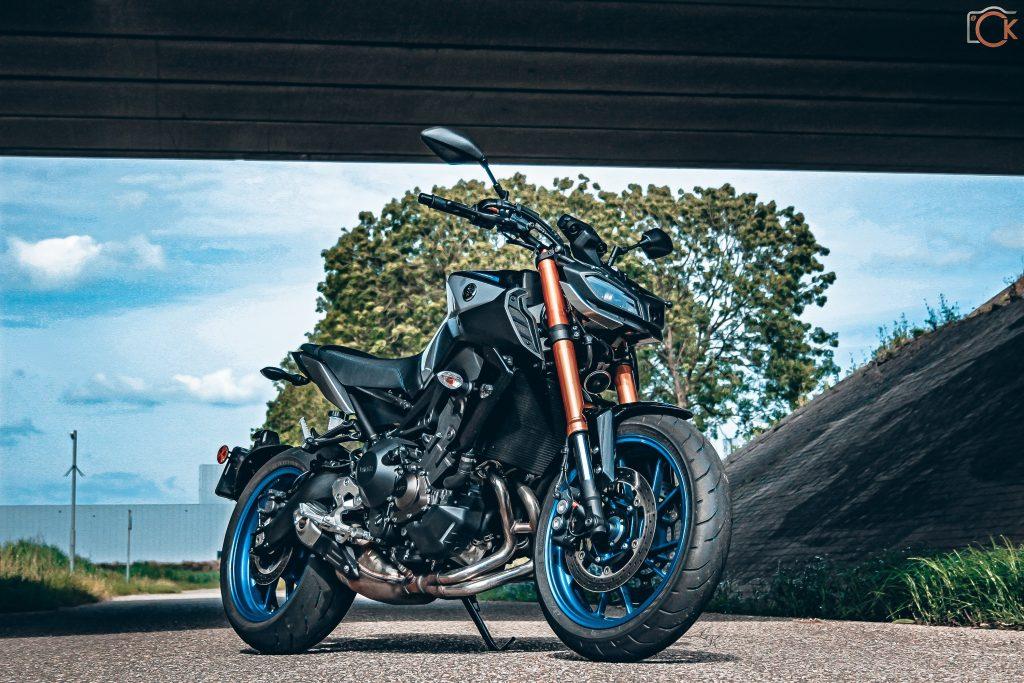 Yamaha MT-09 SP: Challenge the darkness